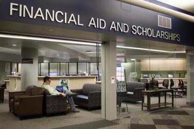 Students express problems with financial aid office – North Texas Daily