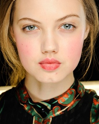 Lindsay Wixson with flushed cheeks for Michael Kors Fall 2012 runway show
