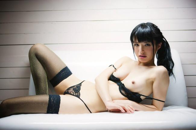 【ヌード画像】ポニーテール美少女が魅力的すぎて勝てる気がしないw(31枚)