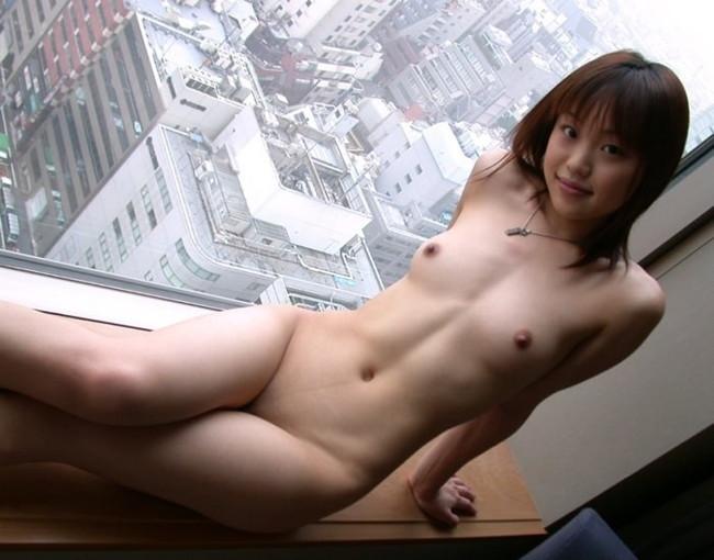 【ヌード画像】ホテルで裸を見せるエッチな女の子たちw(31枚)