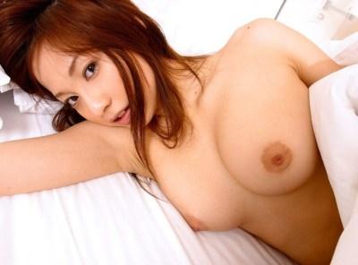 【ヌード画像】生乳を見せる美少女たちがエロいw(30枚)
