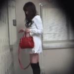 【盗撮動画】かわいいギャルのバイトが入ったんで、ロッカールームに隠しカメラ設置しちゃいましたby店長ww