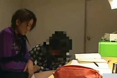 【盗撮動画】ウチの娘についてる家庭教師がちゃんとやってくれてるか盗撮してみたら、ちゃんと娘とヤっちゃってましたww