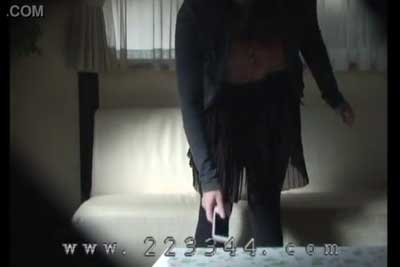 【盗撮動画】ご自宅盗撮wwエロとは無縁の真面目そうな女子大生の一人暮らしのお部屋に隠しカメラを設置して、着替えてる所思い切り盗撮しちゃいましたww