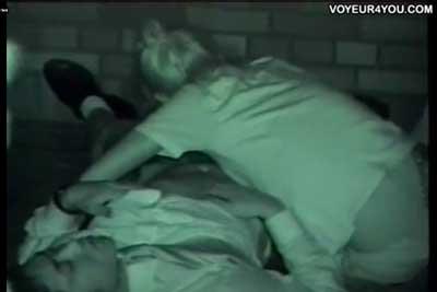 【盗撮動画】深夜の公園で思い切り寝転がってねっとりセックスしちゃってるカップルを発見したので赤外線カメラでばっちり一部始終を盗撮してやりましたww