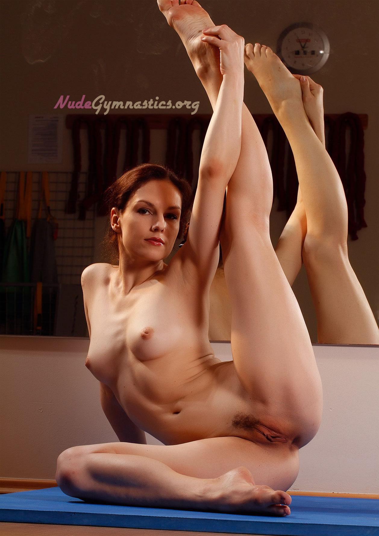 romanian gymnasts