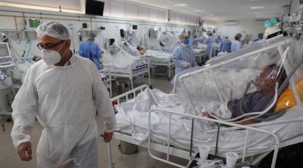 930 nuevos contagios y 17 muertes por Covid-19 en RD