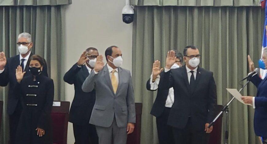 Presidente del Senado juramenta a nuevo pleno de JCE