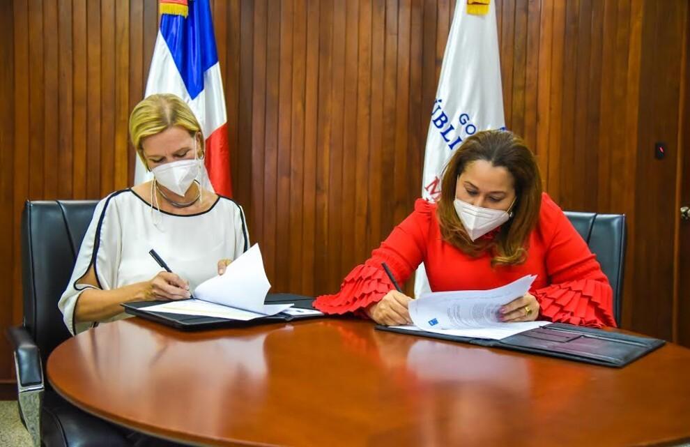 Ministerio de la Mujer y PNUD renuevan compromiso para erradicar violencia y desigualdades de género