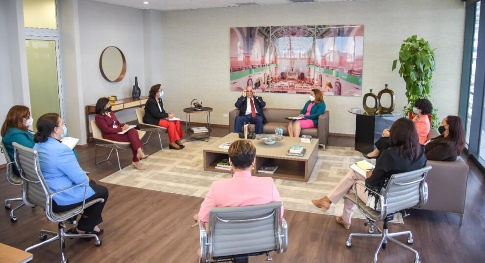 Ministerio de la Mujer y el ITLA acuerdan capacitar a mujeres y a personal de la institución