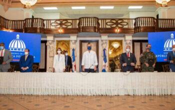 Gobierno firma convenio con universidades privadas para estudios superiores a policías y militares