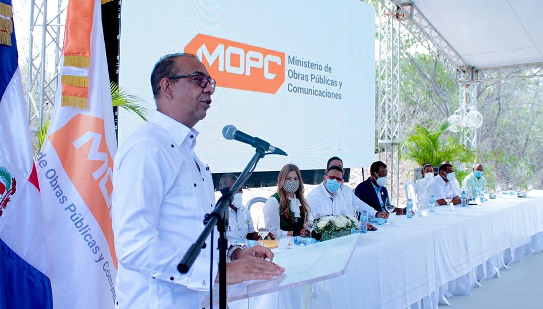 MOPC deja en servicio nuevo puente que comunica a Polo y Cabral, en Barahona