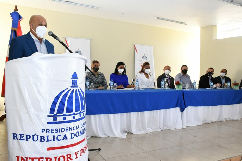 Interior y Policía insta a comunitarios de San Cristóbal a denunciar males que les afectan