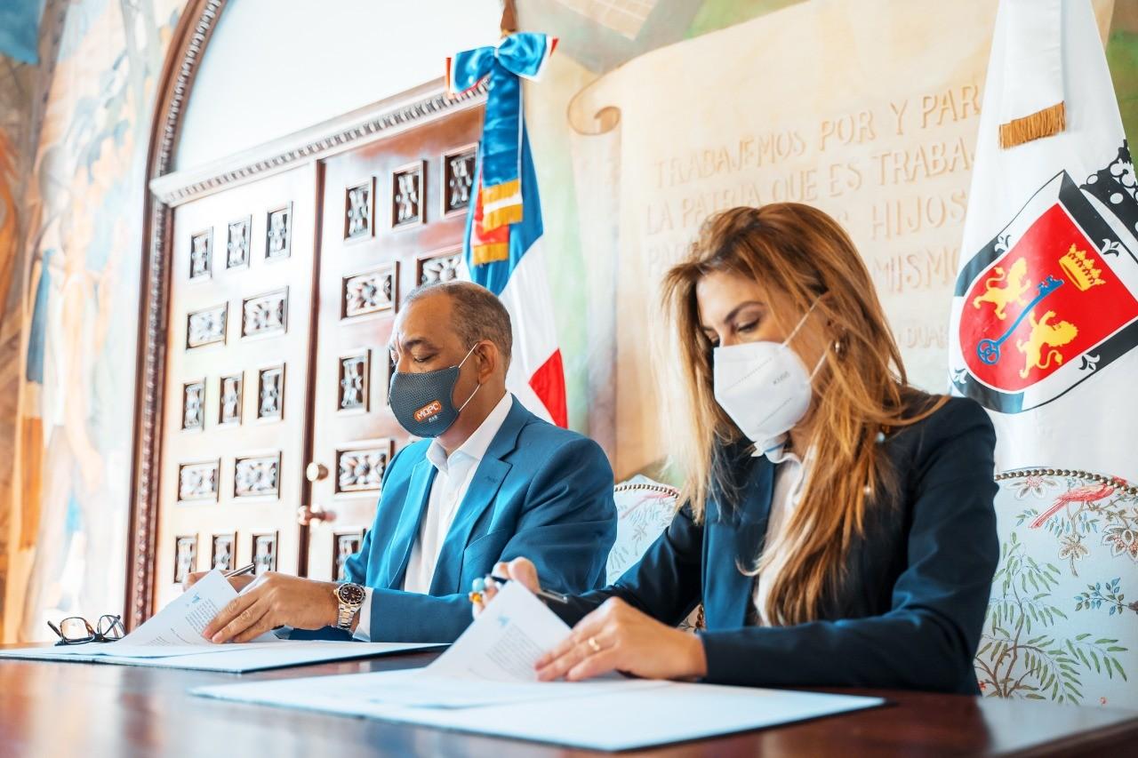 ADN y MOPC suscriben acuerdo para desarrollar proyectos para mejorar infraestructura vial del D.N.