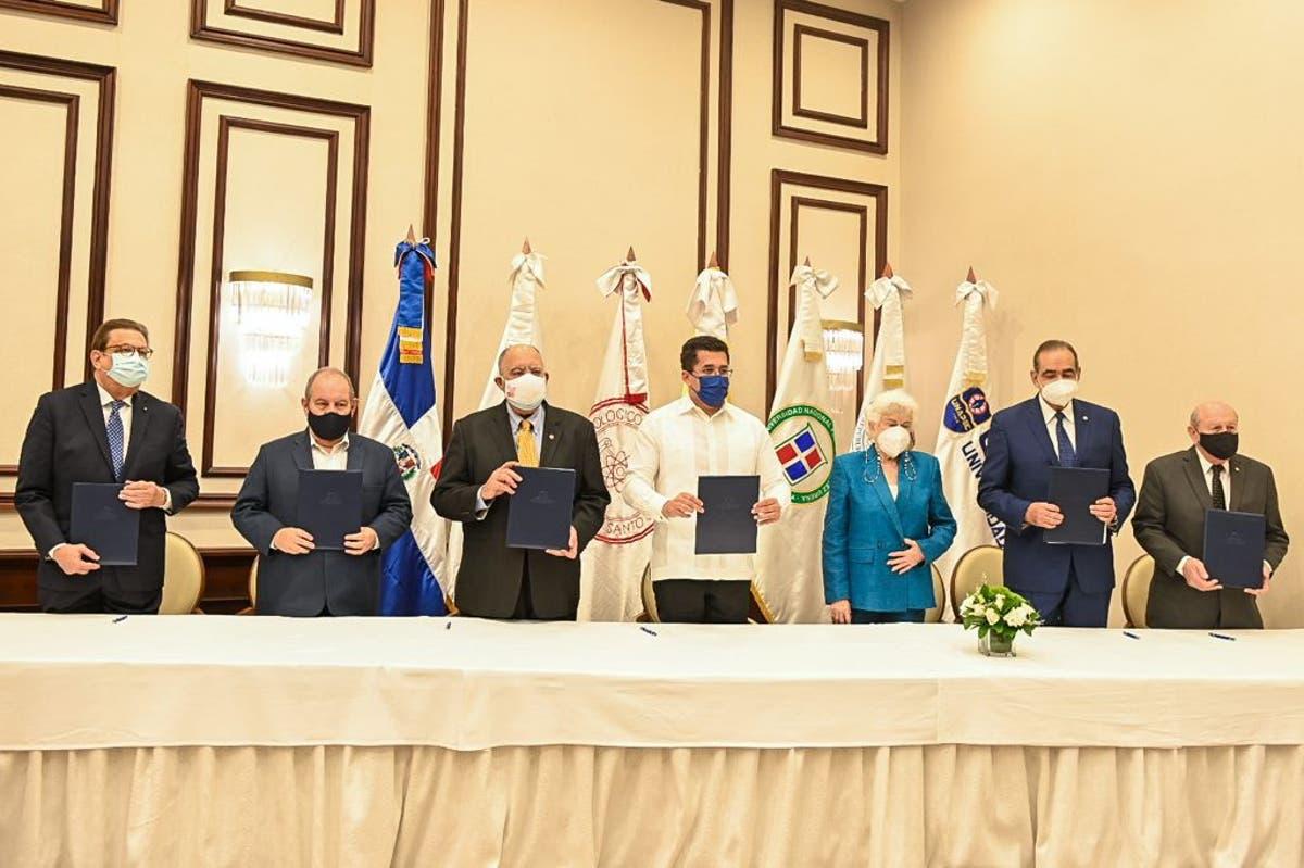 David Collado firmó un acuerdo de veeduría con la Red de Universidades por el Avance de la Educación Dominicana (RUNED)