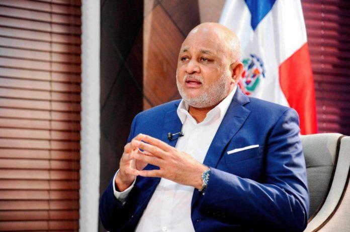 Ministro de Educación reconoce trabajo que realiza el INABIE
