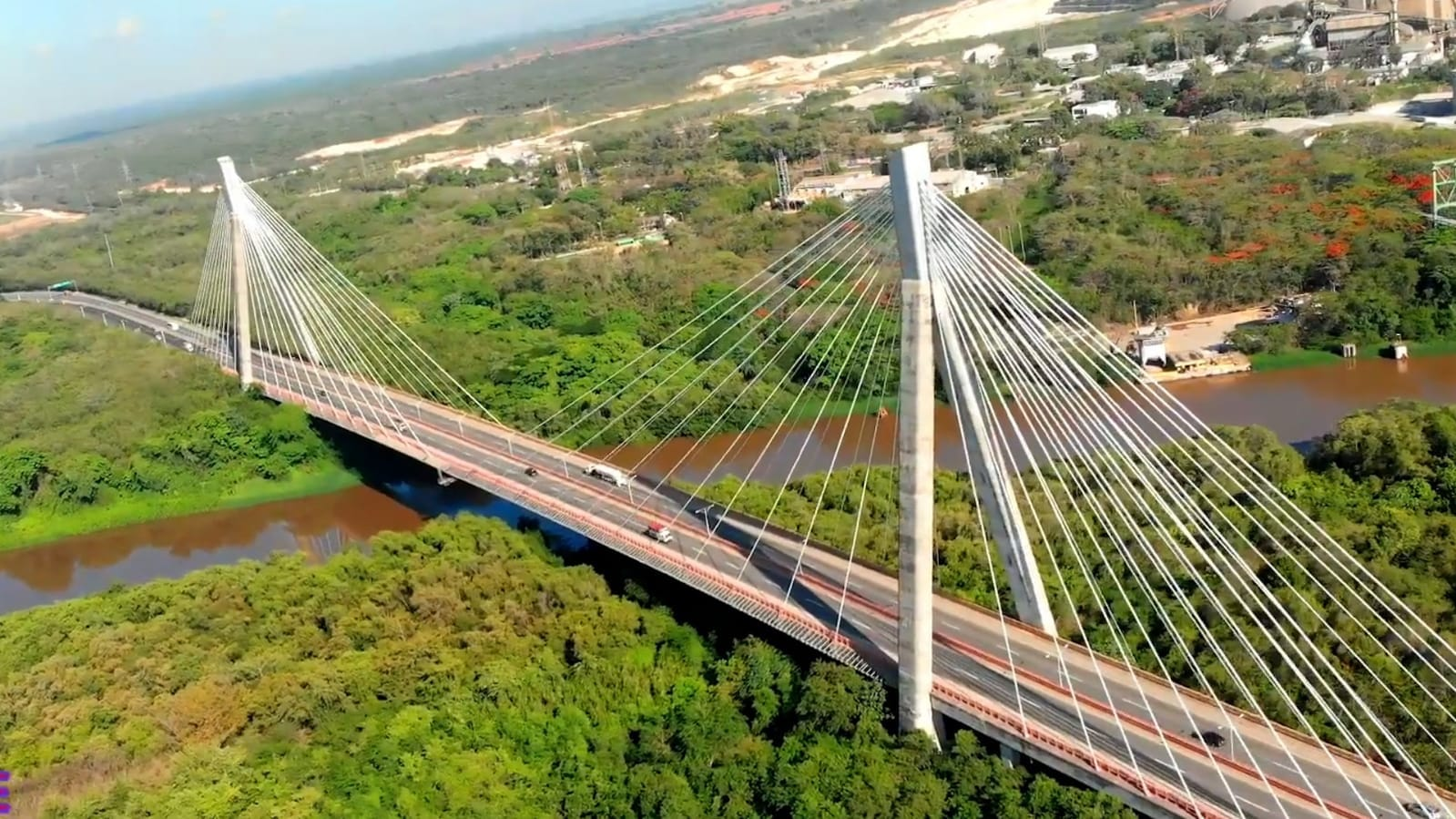 Obras Públicas abrirá este martes carriles Este-Oeste en el puente Mauricio Báez