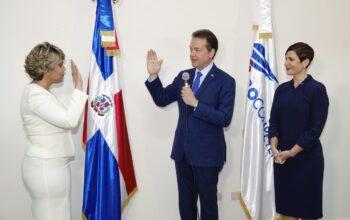 Juramentan en Procompetencia a María Elena Vásquez en sustitución de Yolanda Martínez