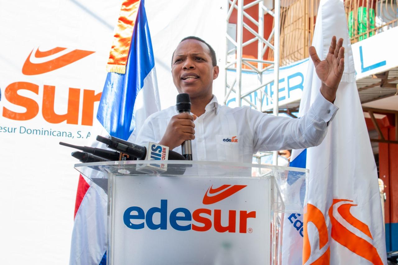 Tras 12 años de espera, Edesur ilumina y electrifica mercado municipal de San Juan de la Maguana