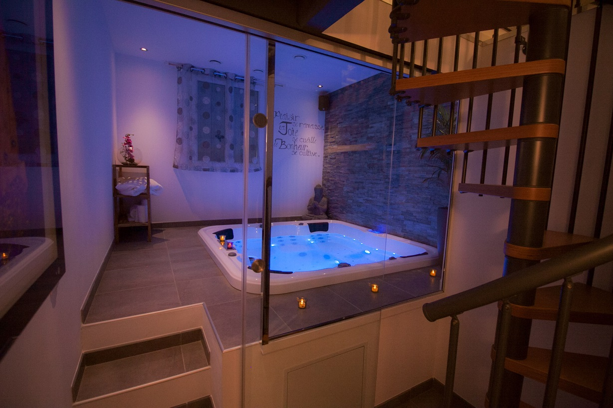 Chambre Spa Privatif Paris Jacuzzi Privatif Nuit D Amour