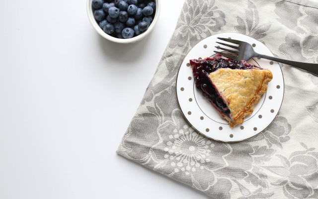 Rustic Peach Blueberry Pie