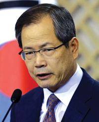 http://i0.wp.com/nwasianweekly.com/wp-content/uploads/2012/31_42/nation_woo.JPG?resize=200%2C247