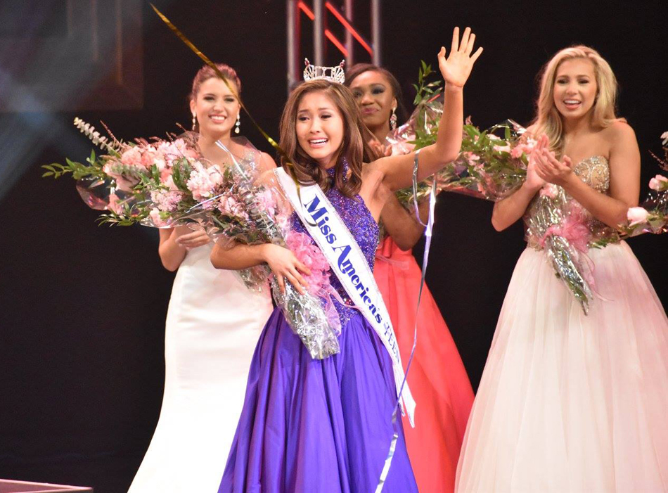 Nicole Jia, moments after being crowned  Miss America Outstanding Teen. (Photo by Evelyn Hou)