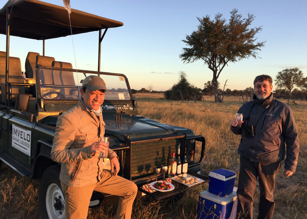 Clever guides find the best places to watch the sunset, and they serve snacks too! (Photo by D. Dube)