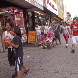 bushwick_2012_knickerbocker_ave_03