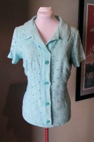 Vintage 1950s Aqua Linen Blouse with Deco Swirls L