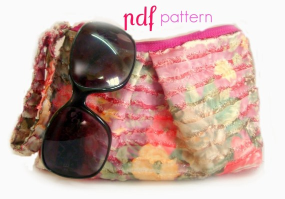 pdf pattern Wristlet Clutch Zippered Pleated  by Armcandyforyou on Etsy