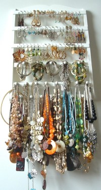 PlumbPretty: Handmade jewelry wall hangers on Etsy