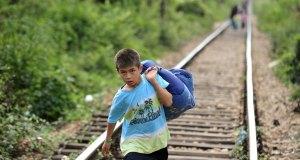 UNICEF196290_MigrantBoy