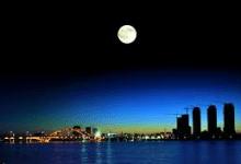 (你也唱唱看) 1. 十五的月亮 神的兒女歡聚, 2. 勝過世界的是誰 (愛神的必愛從神生的 )