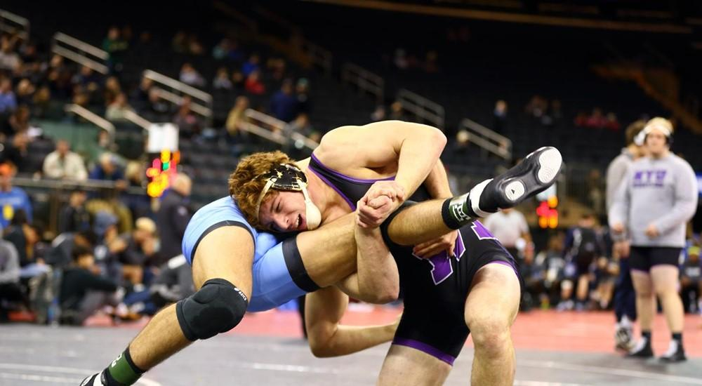 Sports Weekly Update A Pair of NYU Grapplers Qualify for Nationals