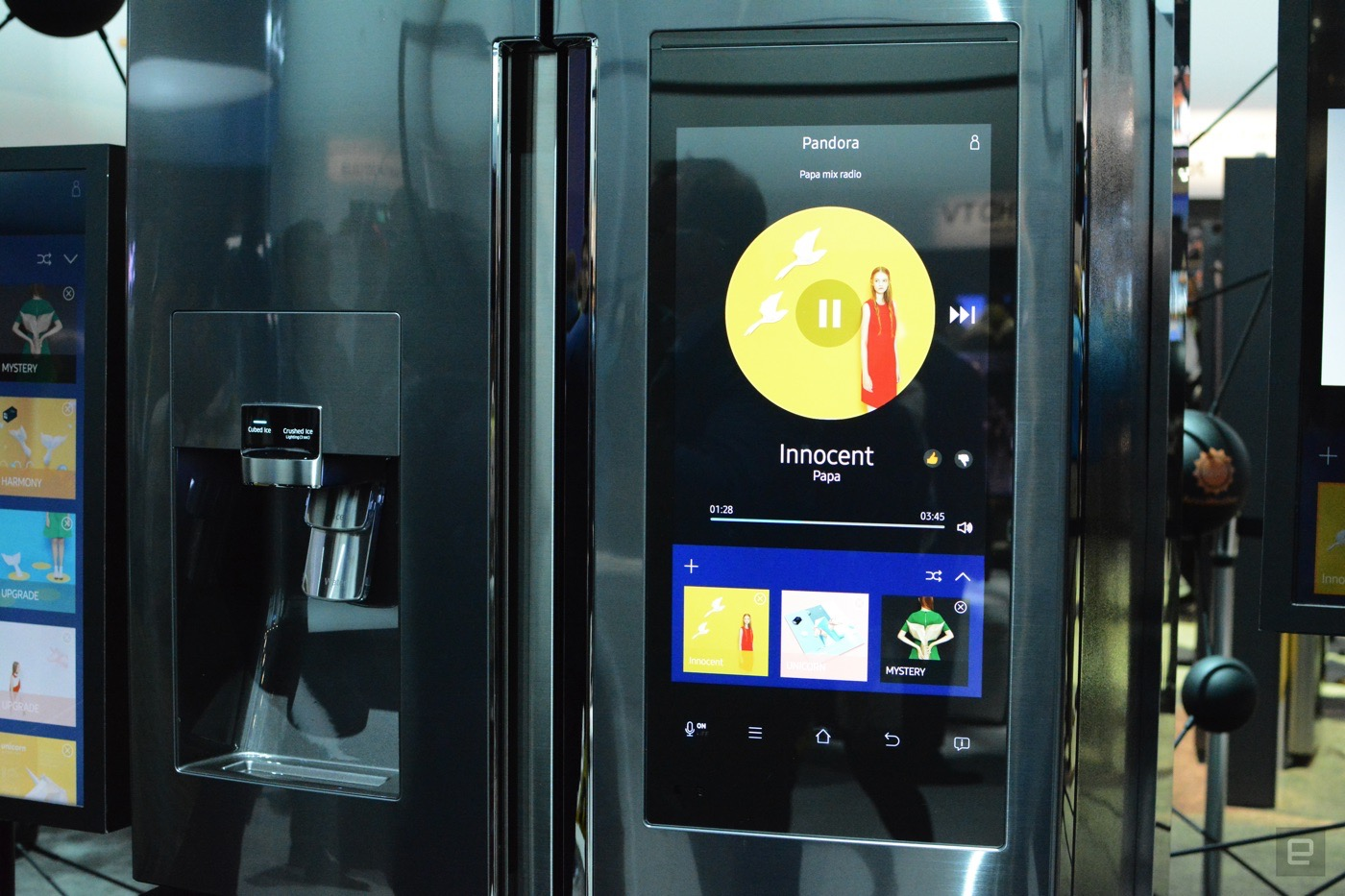 Intelligenter Kühlschrank You Can Order Groceries From The Door Of Samsung 39s New Fridge
