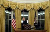 Gold drapes in Trump's Oval Office raise historical ...