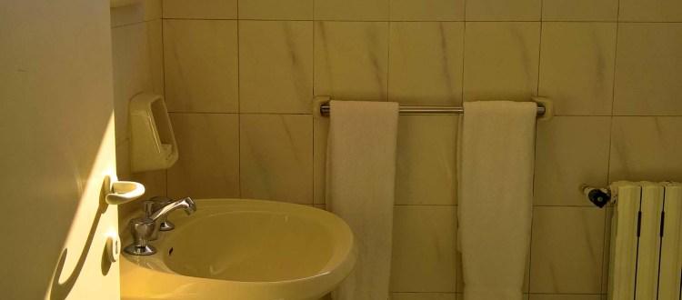 Oakland Hotel - Rayfoun, Lebanon - Suite Bathroom 1