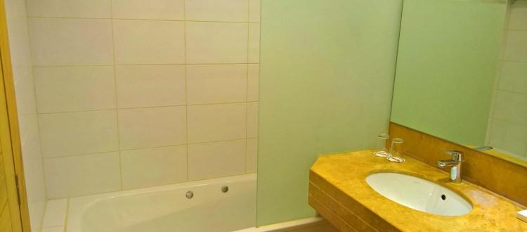 Oakland Hotel - Rayfoun, Lebanon - Deluxe Rooms Bathroom 2