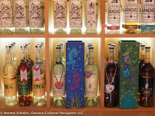 Big selection, handpainted boxes at the ultimate gallery Mezcalillera