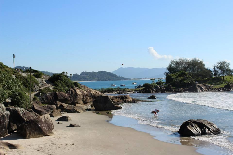 Vista da Praia do Matadeiro, uma das muitas belezas naturais de Florianópolis