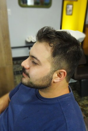 Marcinho Rodrigues, no Barbeiro novo visual undercut