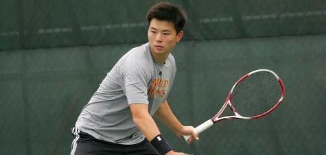 Men's Tennis Beats Gators, Heads to Playoffs