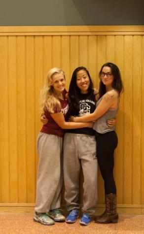 In the Locker Room with Taylor Swift, Kendra Lian and Sophie Weinstein