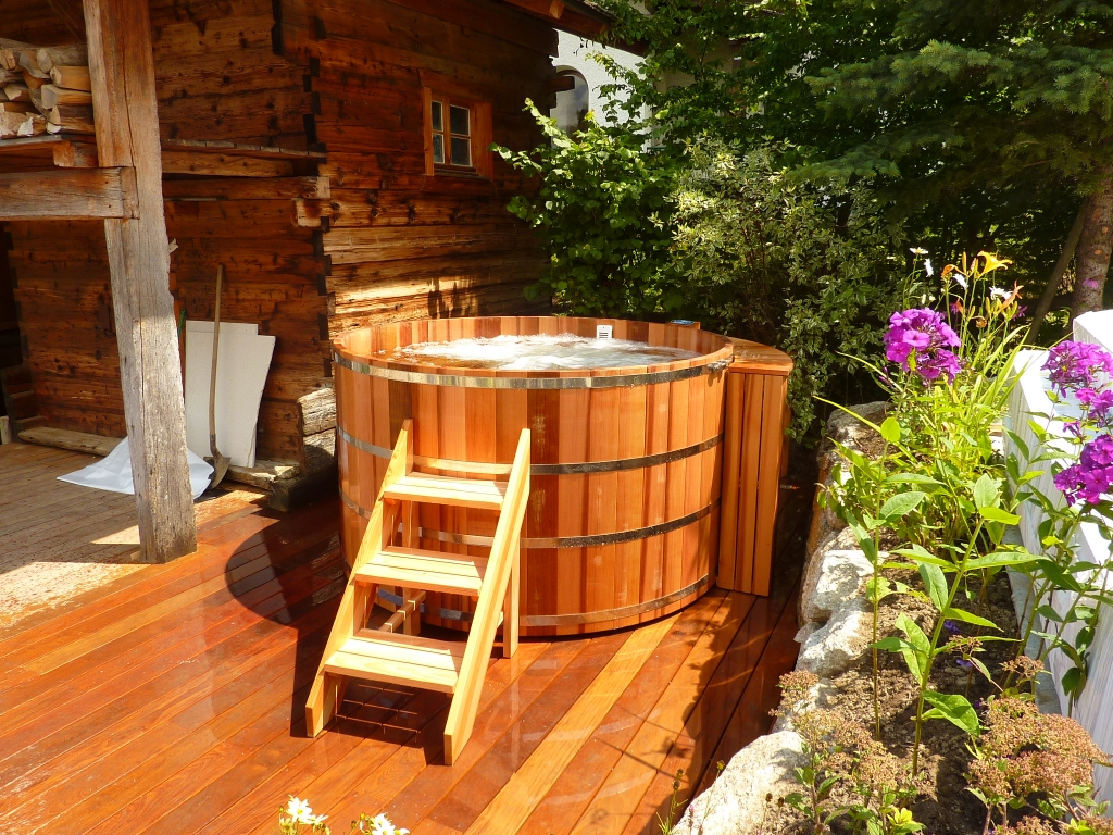 Spa Exterieur Nordique Wooden Hot Tub Made In Red Cedar Manufactured In France -o