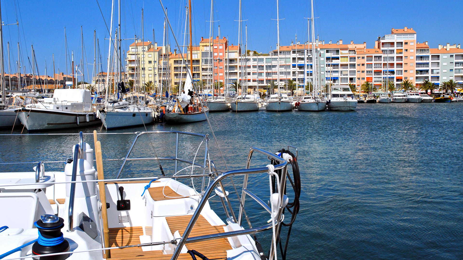 Port Toulon Travel Guide Hyeres Plan Your Trip To Hyeres With Travel By Air
