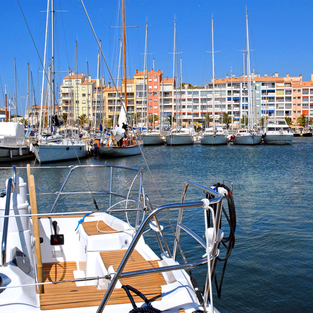 Hotel Les Voiles Toulon Travel Guide Toulon Your Trip To Toulon With Travel By