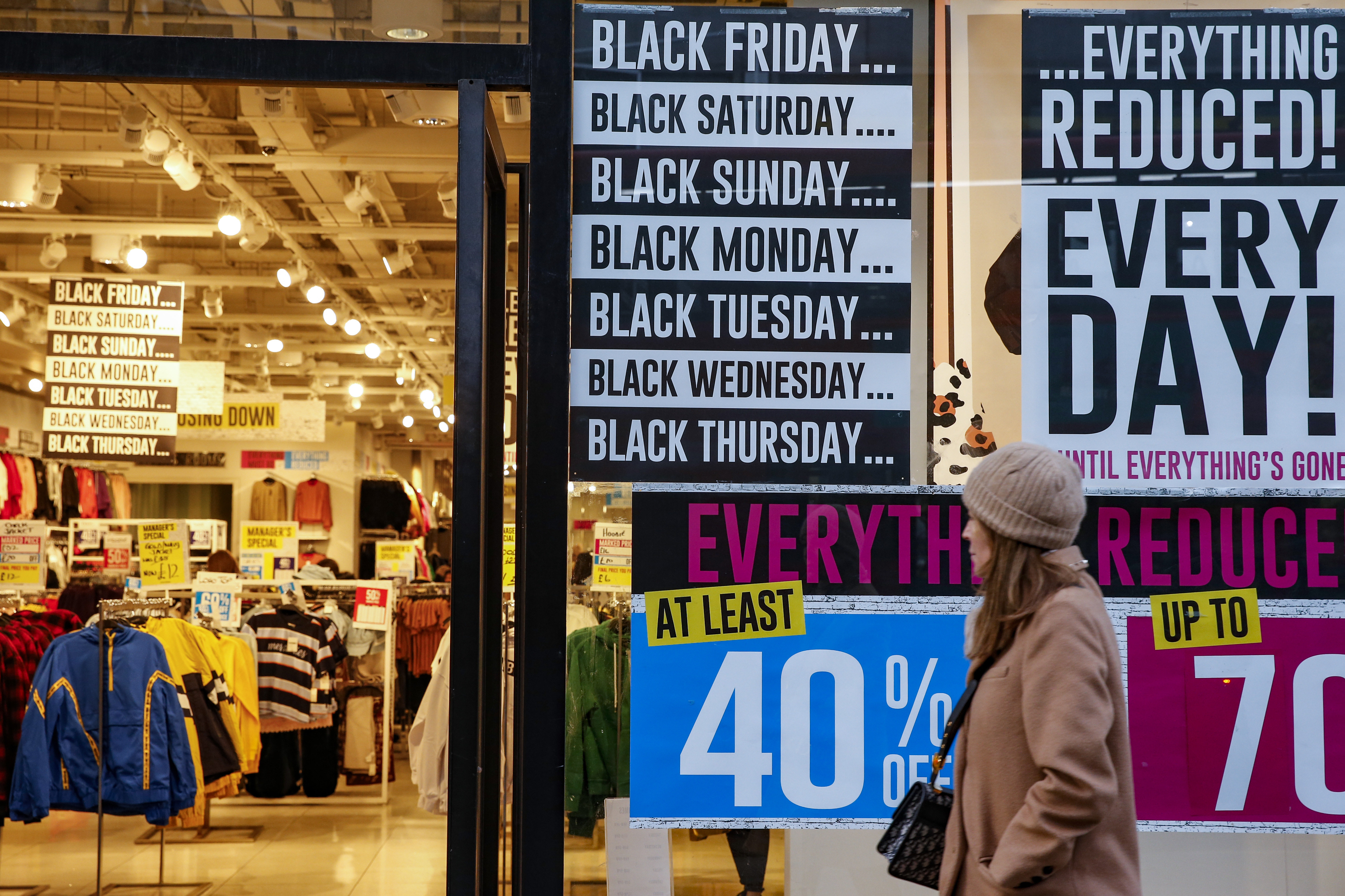 How Retailers Are Competing With Online Shopping This Black Friday Observer