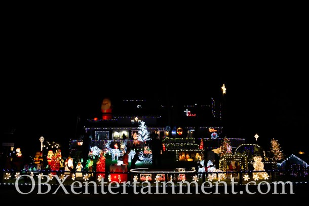The Outer Banks Christmas House - Thanksgiving Night 2014 (photo by Matt Artz for OBXentertainment.com)_0016