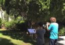 Dupla de jovens toca o tema de Star Wars em frente à casa de John Williams e são surpreendidos